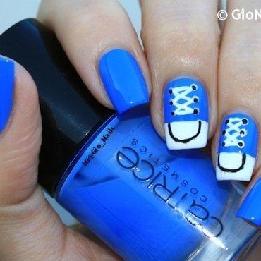 Blue Converse nail art by Giovanna - GioNails