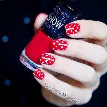 Mickey Mouse nail art by Temperani Nails