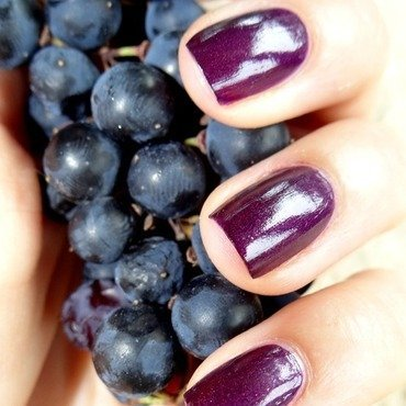 Plum nails by Km.Lucy