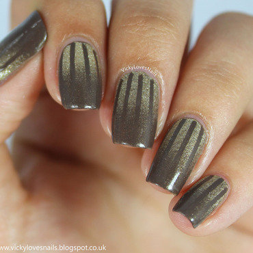 Striped Gradient nail art by Vicky Standage