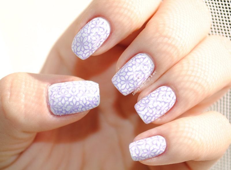 Delicate print nail art by Ditta