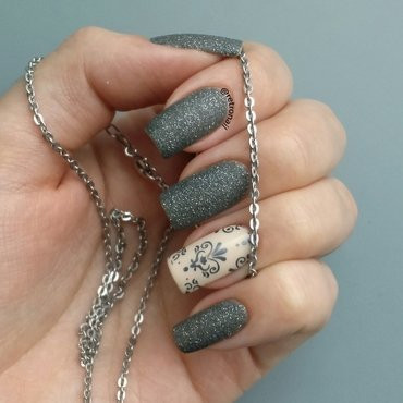 Grey Baroque nail art by retronail