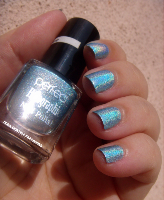 Perfect Holographic H4 by Dora Cristina Fernandes