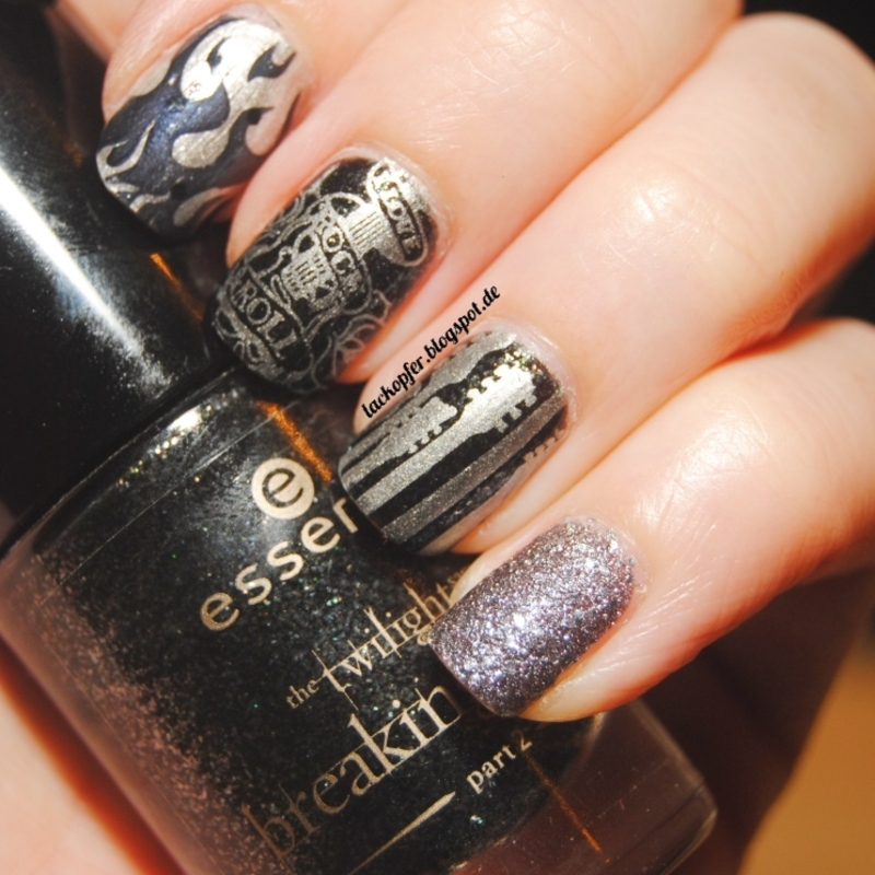 Rock N Roll nail art by Lackopfer - Nailpolis: Museum of Nail Art