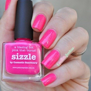 piCture pOlish Sizzle Swatch by nathalie lapaillettefrondeuse