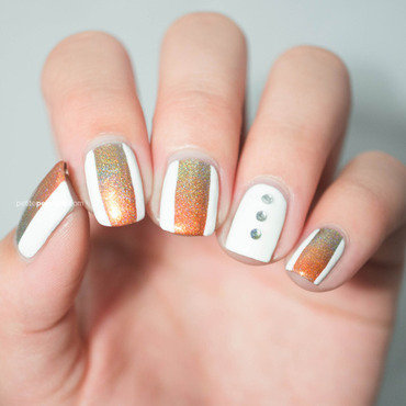 Holographic Fall Gradient nail art by Petite Peinture