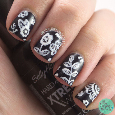 Black white flowers nail art 4 thumb370f