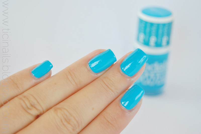 Models Own Blue Glint Swatch by Patricija Zokalj