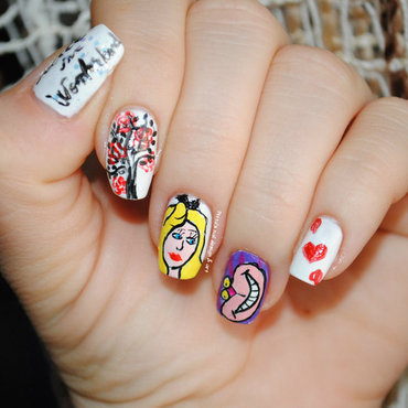 Alice in Wonderland nail art by Ditta