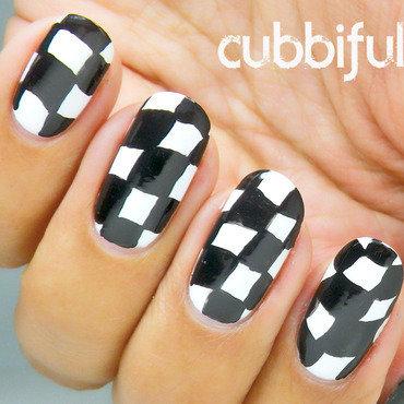 Black and white nails thumb370f