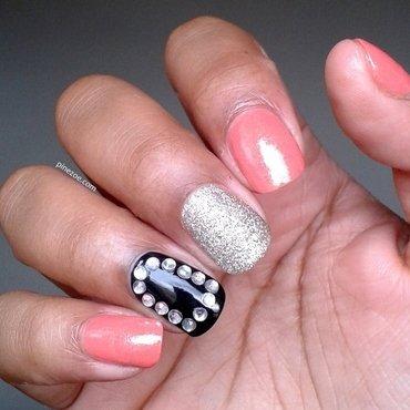 Strass & Coral nail art by Pinezoe
