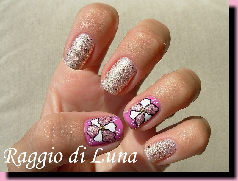 Oyster & Champagne flower nail art by Tanja