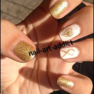 Nail Art : Be Bold, Be Gold nail art by SowNails