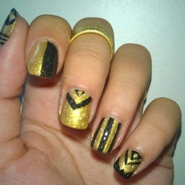 Rock en or et noir ---> rock in gold and black nail art by And'gel ongulaire