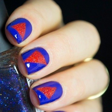 Triangle Sparkle nail art by  Petra  - Blingfinger