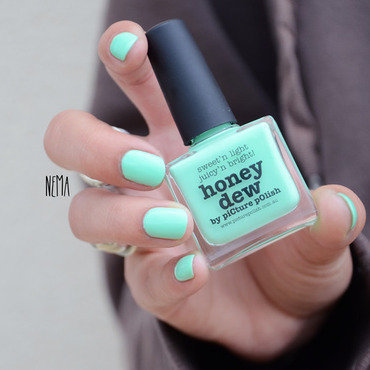 piCture pOlish Honey Dew Swatch by nehmaah