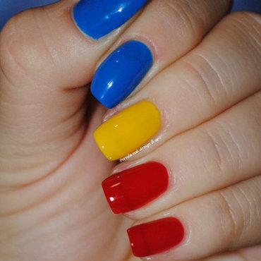 Romanian flag  nail art by Ditta