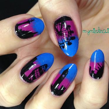 London Skyline nail art by MyMintNails