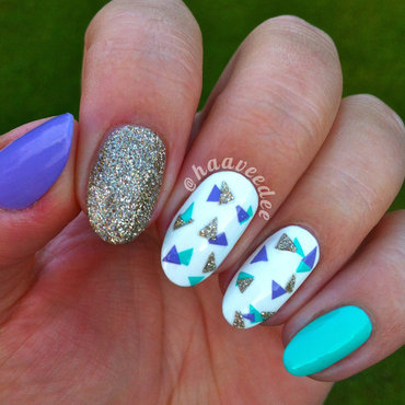 Little triangles nails nail art by haaveedee (Hanne)