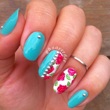 Studs and flowers nails nail art by haaveedee (Hanne)