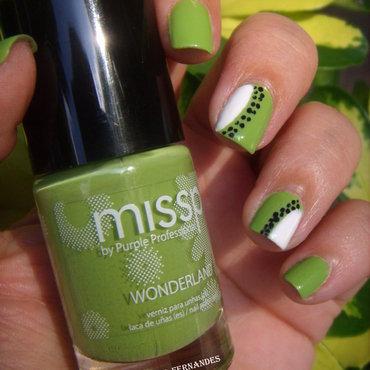 Kiwi Nail Art nail art by Dora Cristina Fernandes