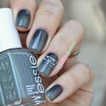 Essie 20fall 20in 20line 20gradient 208 thumb370f