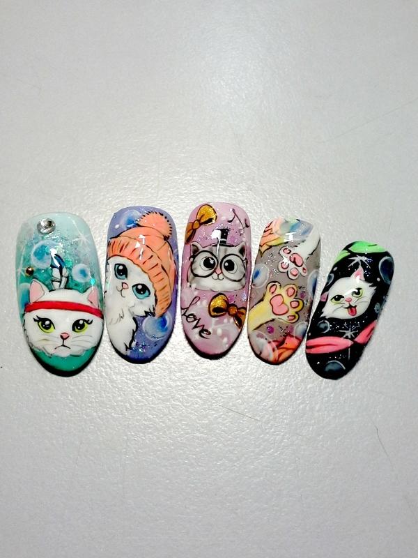 Cat nail art by Weiwei
