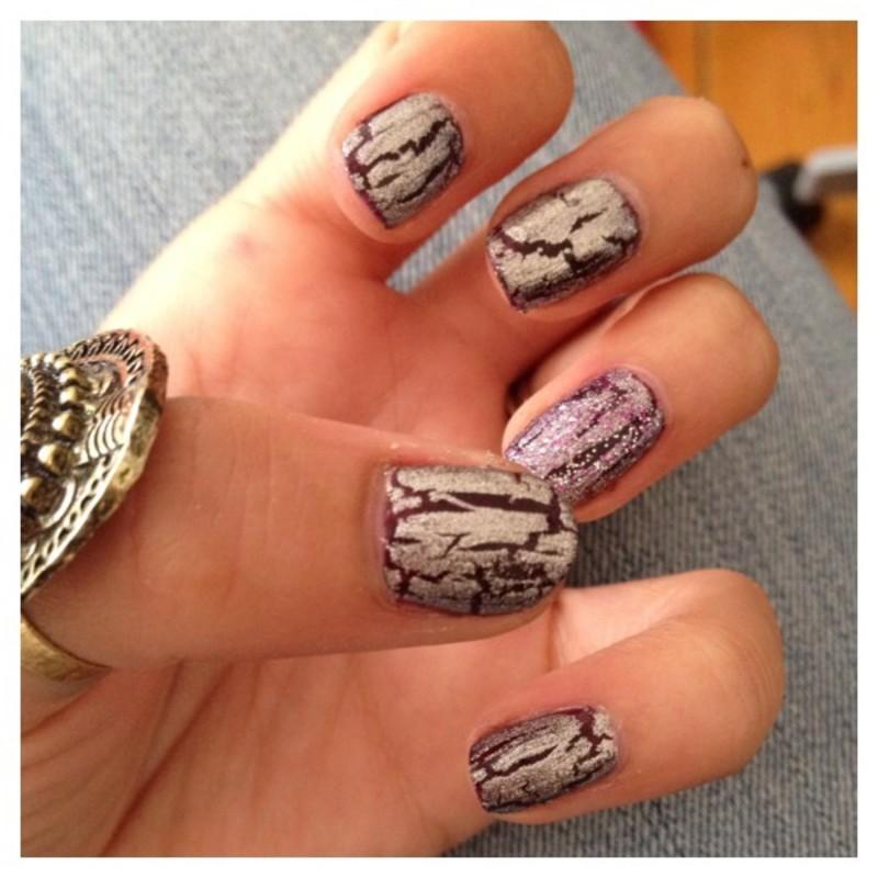 PURPLE ET SILVER SHATTER nail art by Dju Nails