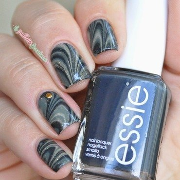 army marble nail art by nathalie lapaillettefrondeuse