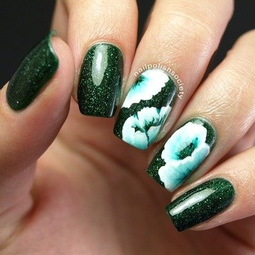 One Stroke Abstract Petals nail art by Emiline Harris