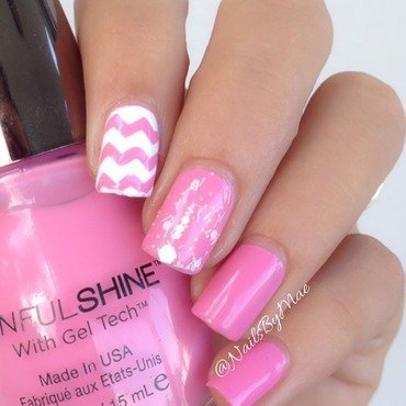 White and Pink Chevrons nail art by Sheily (NailsByMae)