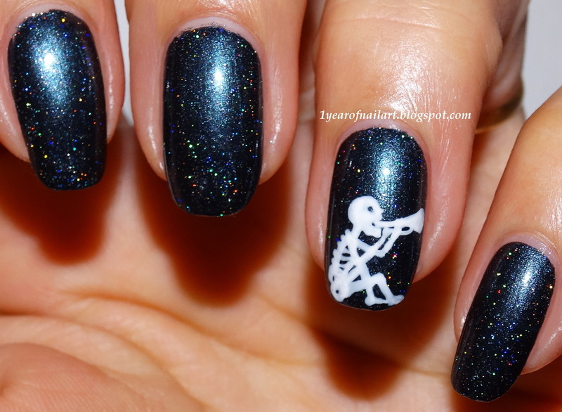 The trumpet skeleton nail art by Margriet Sijperda - The Trumpet Skeleton Nail Art By Margriet Sijperda - Nailpolis