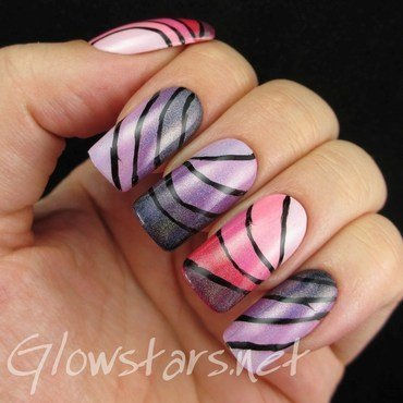 Holographic Ombre Swooshes nail art by Vic 'Glowstars' Pires