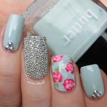 Mint Vintage Flowers nail art by Ann-Kristin