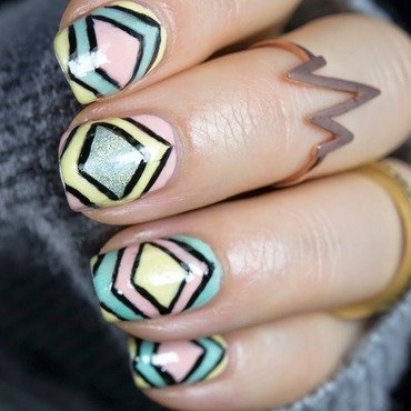 Geometric pattern nail art 4 thumb370f