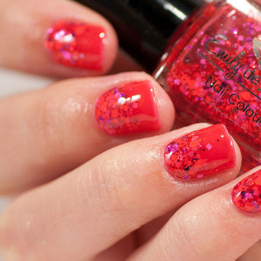 1 emily de molly scarlets red glitter gradient loreal jolly lolly thumb370f