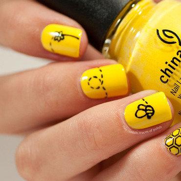1 yellow bee nail art thumb370f