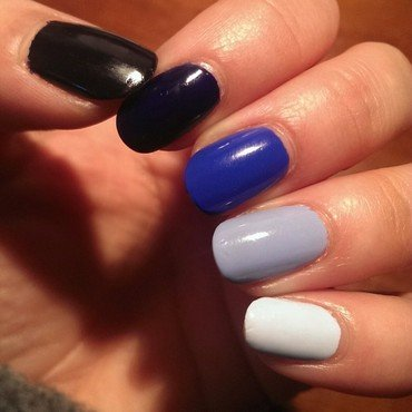 Blue Gradient Nails nail art by Steph