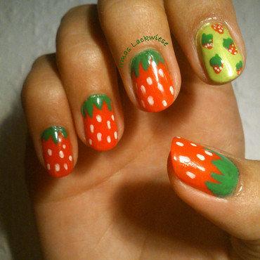 Erdbeeren rechts bearbeitet thumb370f