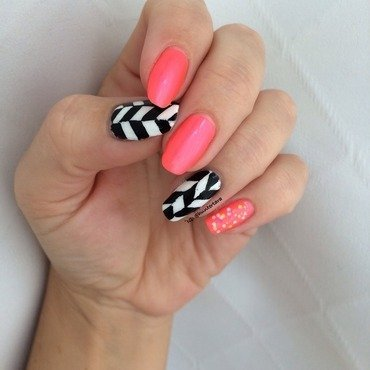 Herring bone nail art by Tara Huff