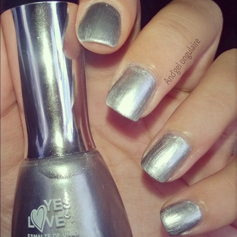 Yes Love effet miror Swatch by And'gel ongulaire