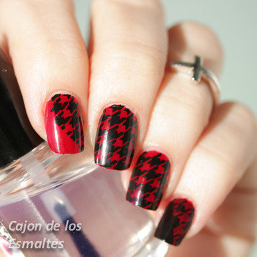 Houndstooth 20  20opi 20  20gwen 20  20red 20black 202 thumb370f