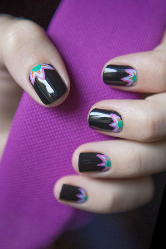 Flores nail art by Magdalena
