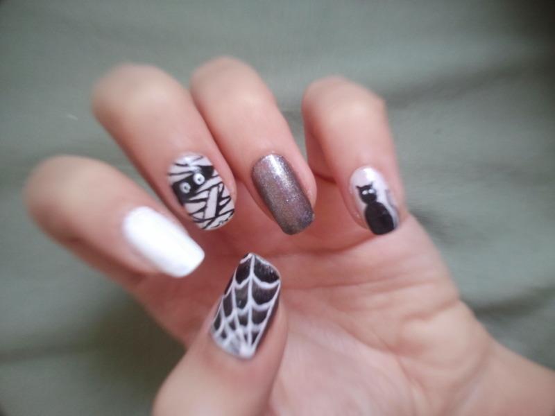 Halloween nail art by Bat-Chen