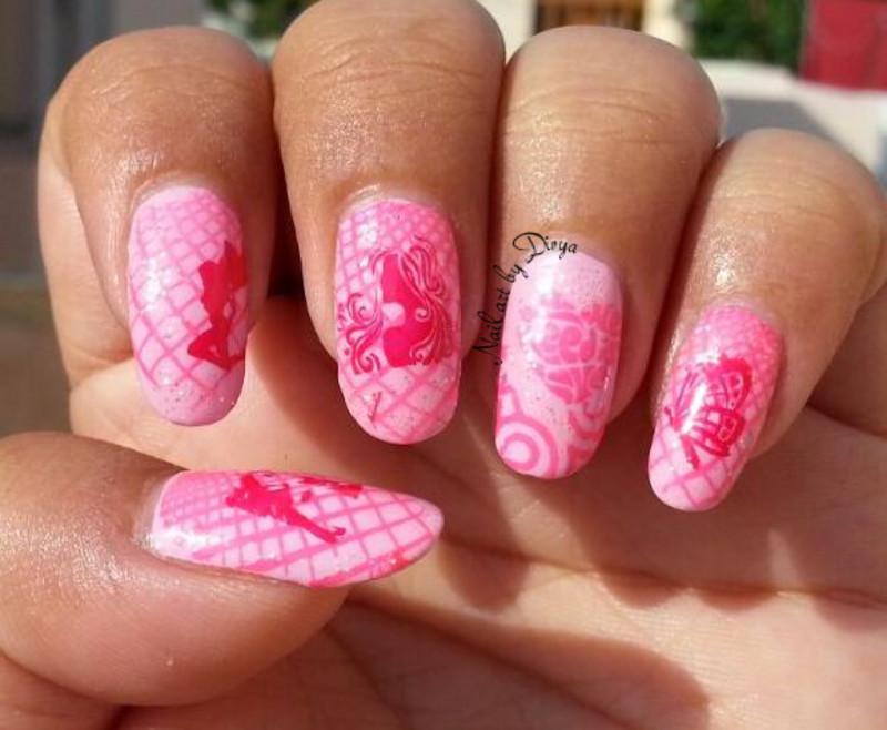 Breast Cancer Awareness Mani nail art by Divya Pandey