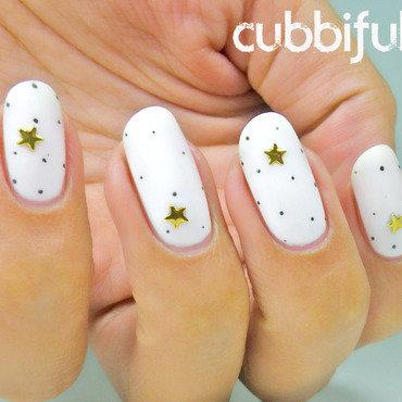 Elegant Starry Nails nail art by Cubbiful