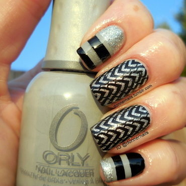 Geometric nail art by Donner