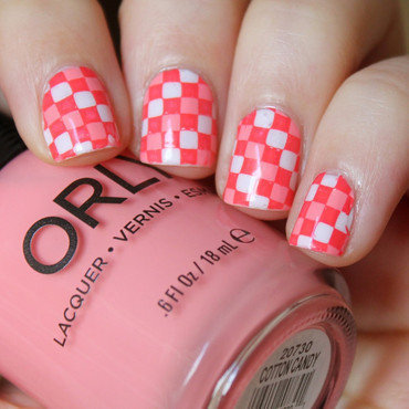 Checkered nail art by Moriesnailart