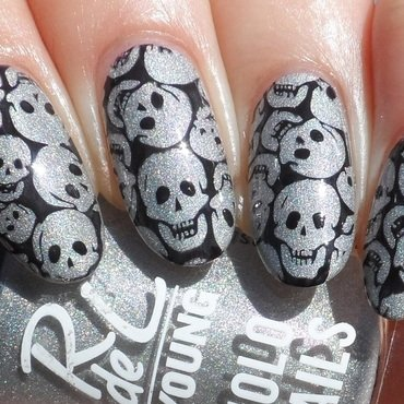 Skulls nail art by Plenty of Colors