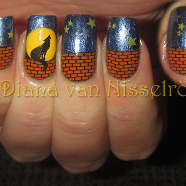 Werewolf under a full moon nail art by Diana van Nisselroy